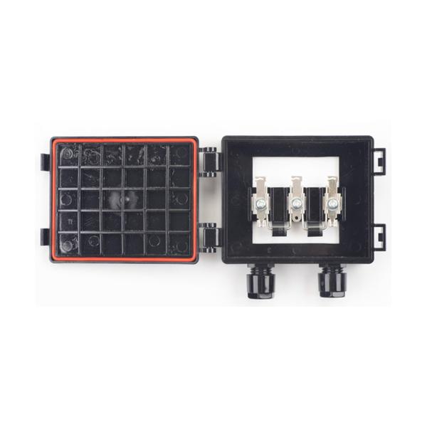 kit panneau solaire polycristallin 50w 12v et r gulateur 5a 115 00 starter kits solaires. Black Bedroom Furniture Sets. Home Design Ideas